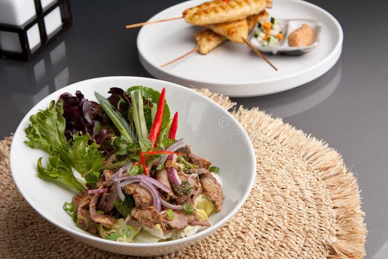 Numerisk sallad för Tok thailändsk Steaknötkött royaltyfria bilder