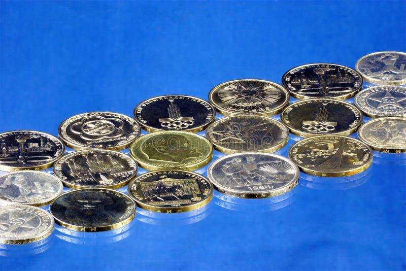 Numismática o recogida de moneda, estudios la historia de la invención y circulación monetaria en los países diferentes del mundo fotografía de archivo