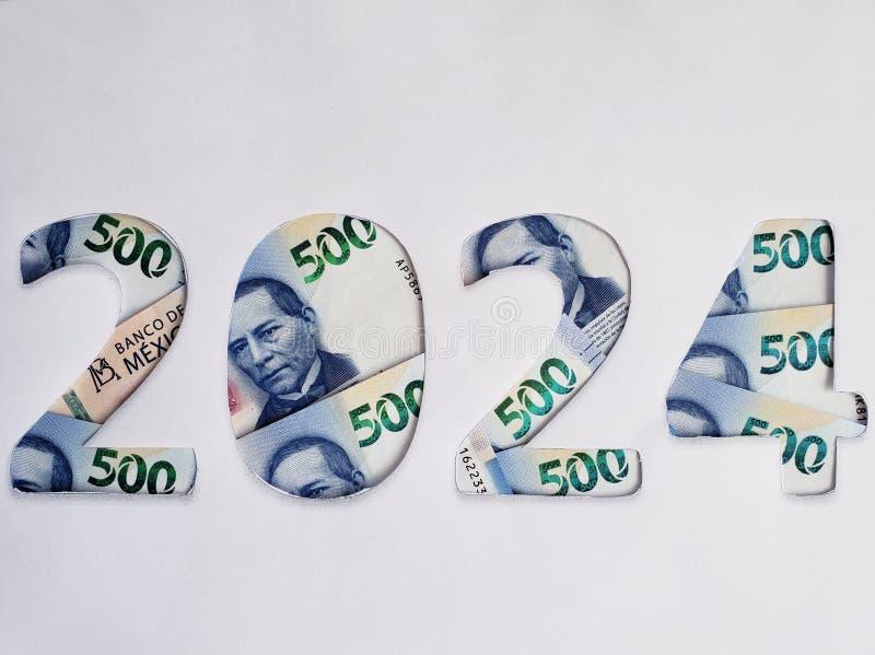nummer 2024 gevormd met Mexicaanse bankbiljetten van 500 peso's en witte achtergrond royalty-vrije stock afbeeldingen