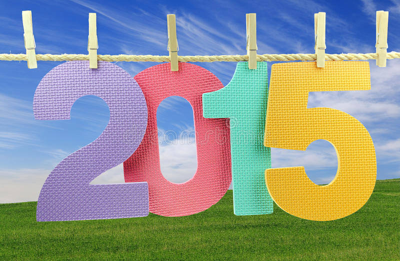 Nummer 2015 som hänger på en klädstreck fotografering för bildbyråer