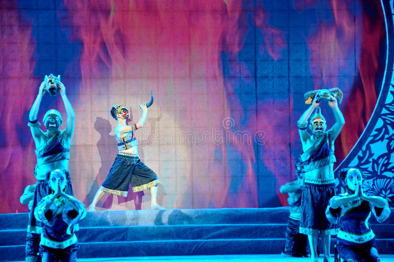 Nuo Opera Performance sul festival di lanterna fotografie stock