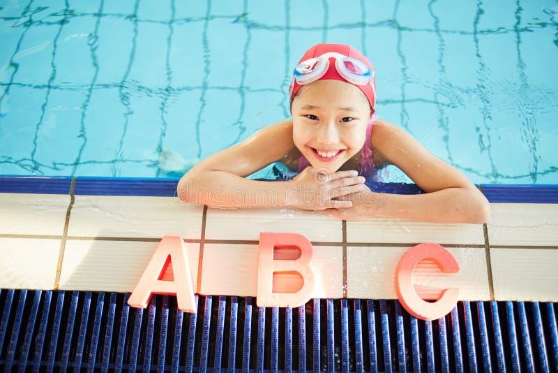 Nuotando per i freshers fotografie stock