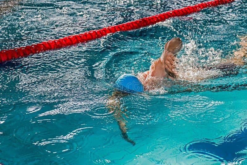 Nuotatore atletico nell'azione 4 immagini stock libere da diritti