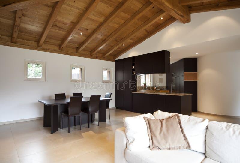 Nuova casa bella, interna fotografie stock libere da diritti