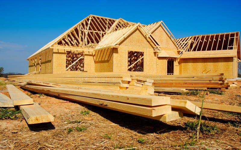 Nuova casa in costruzione fotografie stock libere da diritti