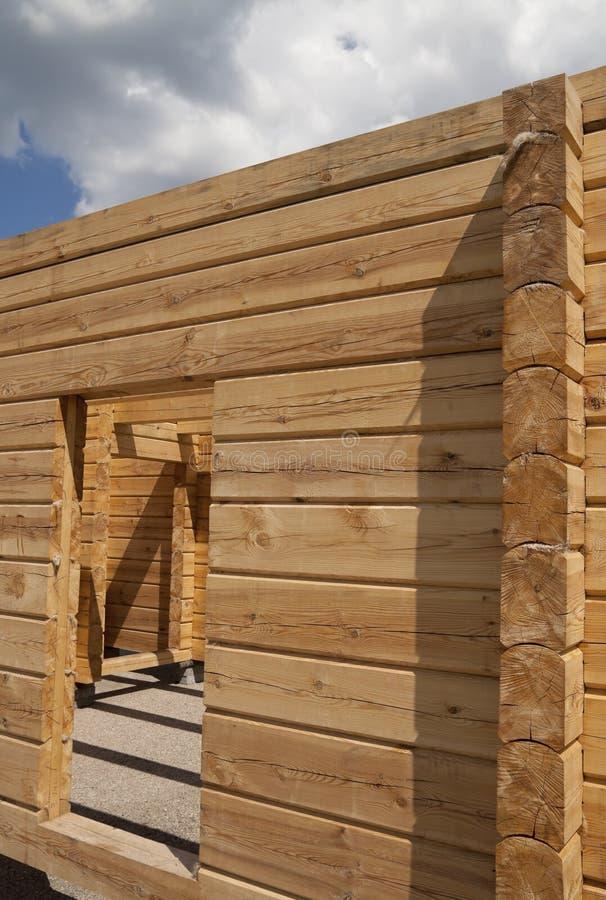 Nuova casa di legno fotografia stock