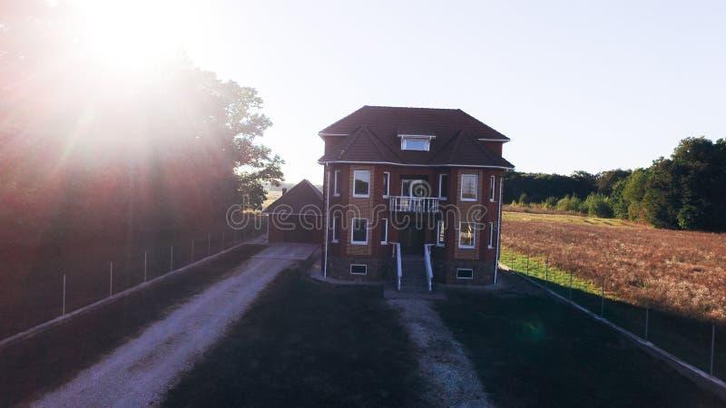 Progetto di una villa di lusso in costruzione immagine for Progetto casa moderna nuova costruzione
