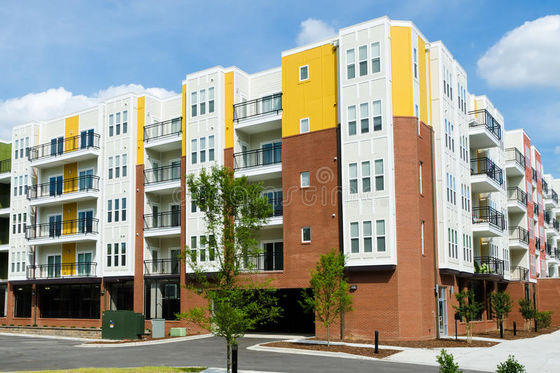 Nuova costruzione di appartamento moderna immagini stock libere da diritti