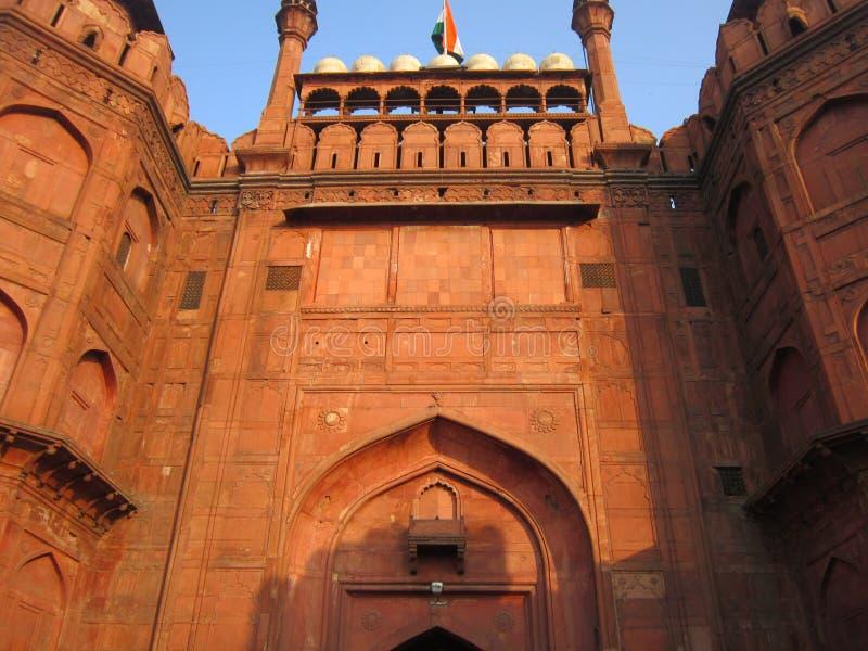 Nuova Delhi, India - gennaio 2019: Vista frontale della fortificazione rossa immagine stock libera da diritti
