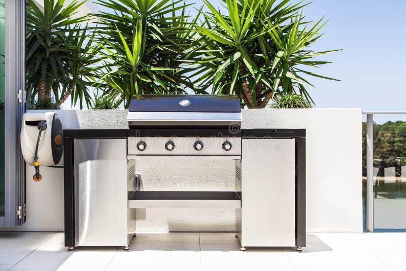 Nuova doppia griglia del barbecue fotografie stock