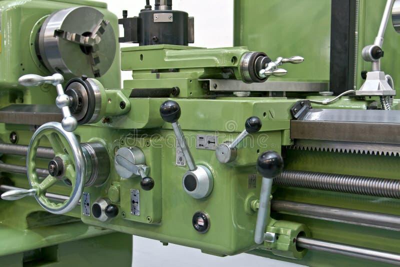 Nuova macchina del tornio di industria metallurgica fotografie stock libere da diritti