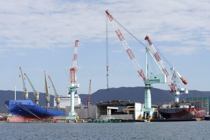 Nuova nave di costruzione in cantiere navale fotografia stock