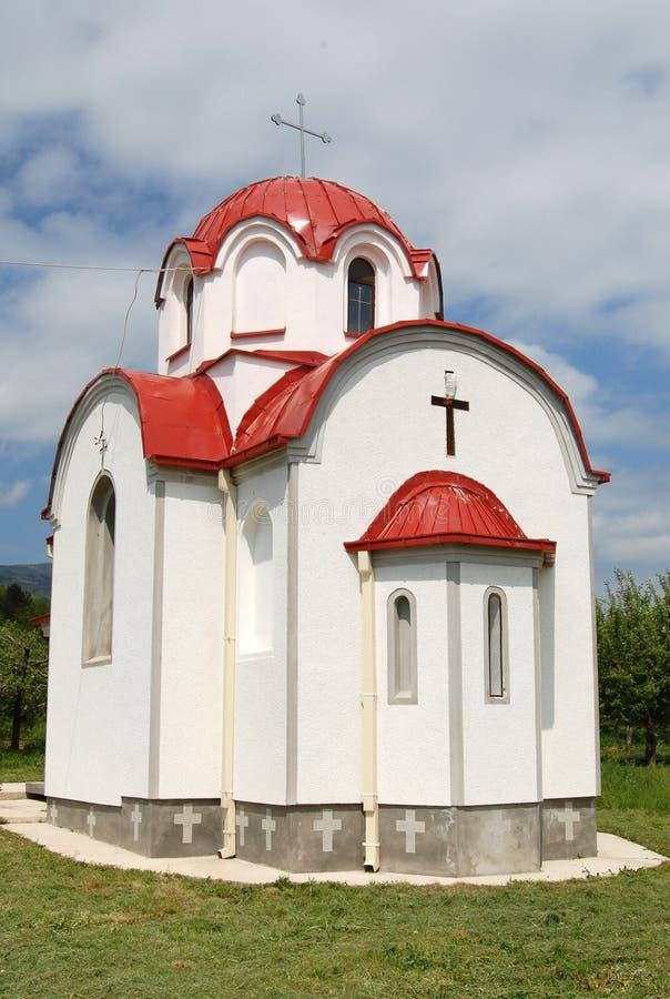 Nuova piccola chiesa ortodossa in Prespa, Macedonia immagini stock libere da diritti