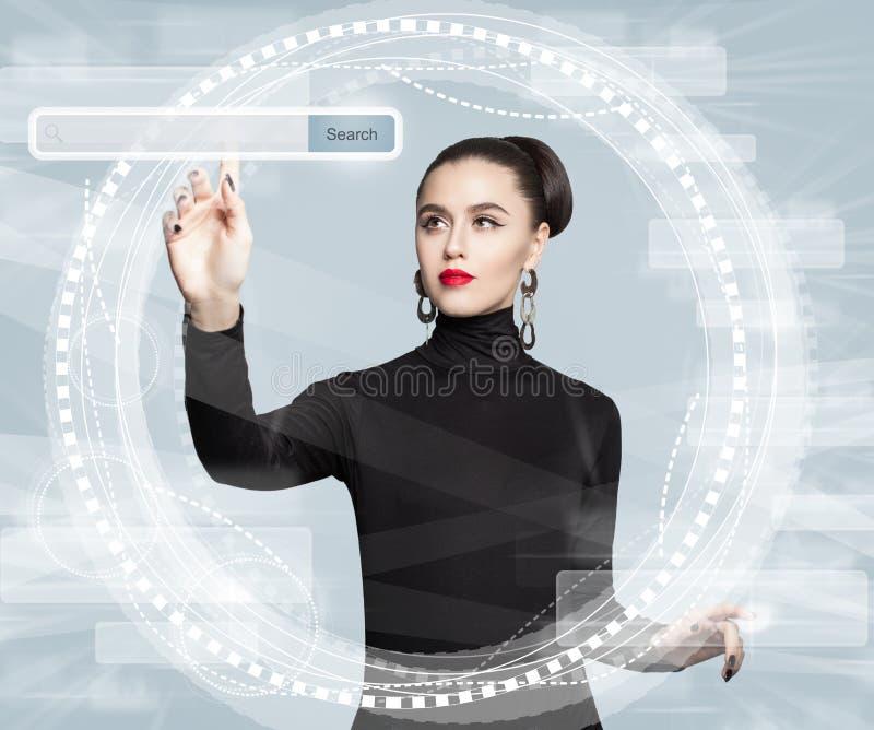 Nuova tecnologia, Internet e concetto praticante il surfing di web immagini stock libere da diritti