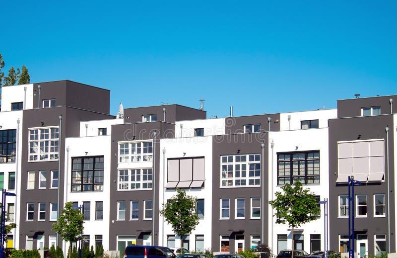Nuove case a schiera a Berlino fotografie stock libere da diritti