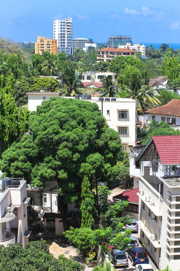Nuove costruzioni moderne a Dar es Salaam, Africa Vista panoramica fotografia stock libera da diritti