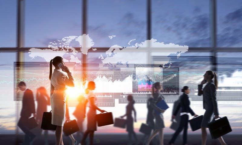 Nuove tecnologie per il commercio Media misti immagini stock
