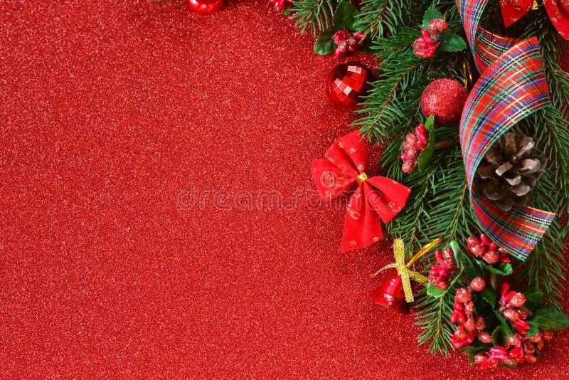 Nuovo anno felice e Buon Natale Fondo di rosso del nuovo anno fotografia stock libera da diritti