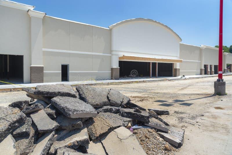 Nuovo centro commerciale in costruzione fotografia stock libera da diritti