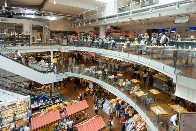 Nuovo deposito e ristorante di EATALY a Milano, Italia fotografie stock libere da diritti