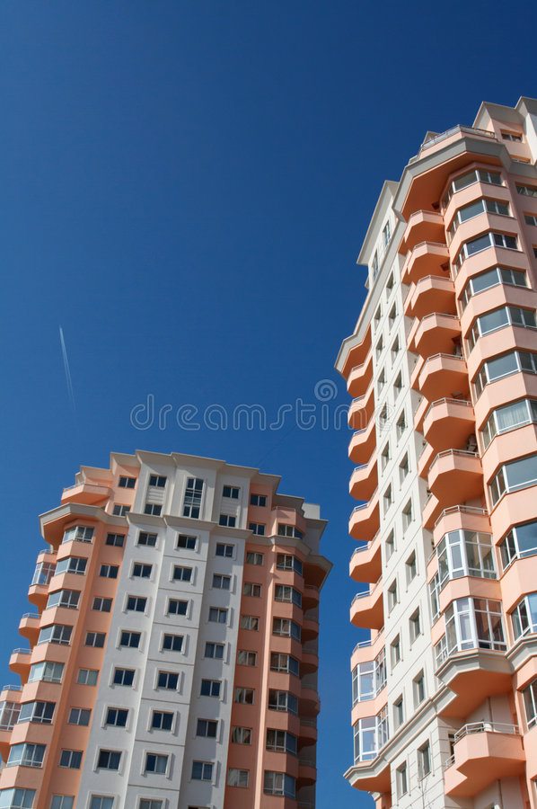 Nuovo edificio residenziale fotografia stock