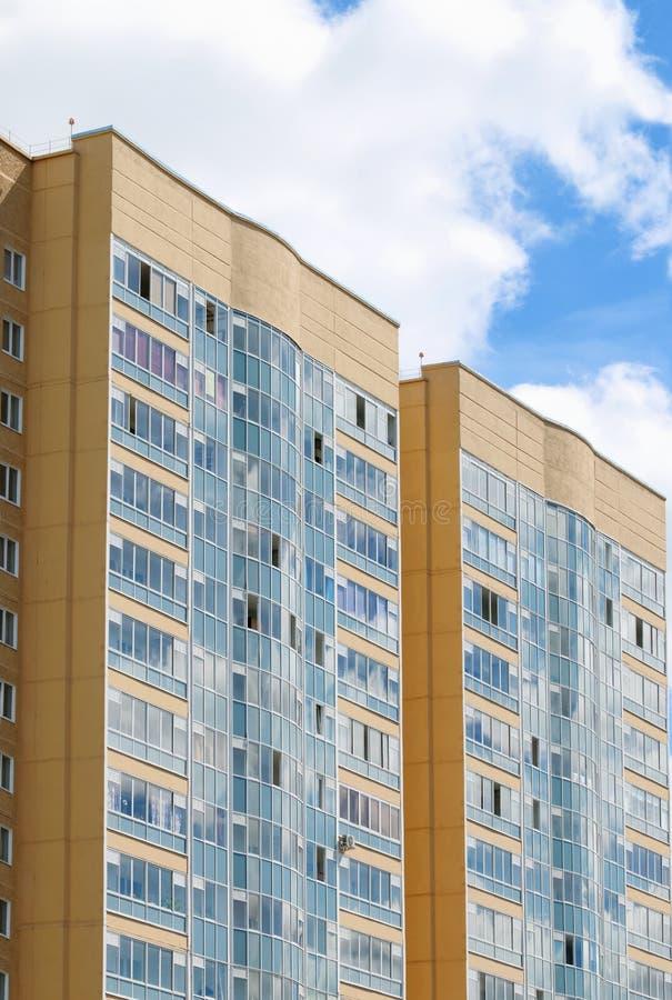Nuovo edificio residenziale Nel 2014 gli edifici residenziali sono stati costruiti in numero record in Russia fotografie stock libere da diritti