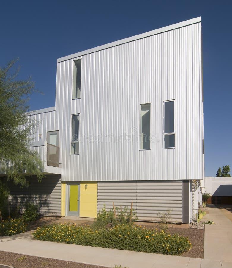 Nuovo esterno dell 39 acciaio della casa moderna immagine for Esterno casa moderna