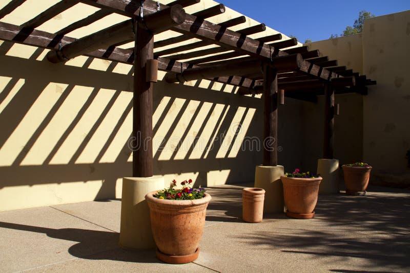 Nuovo patio sudoccidentale domestico moderno fotografia stock libera da diritti