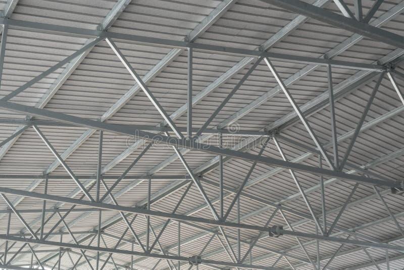 Nuovo tetto ondulato del metallo immagini stock libere da diritti