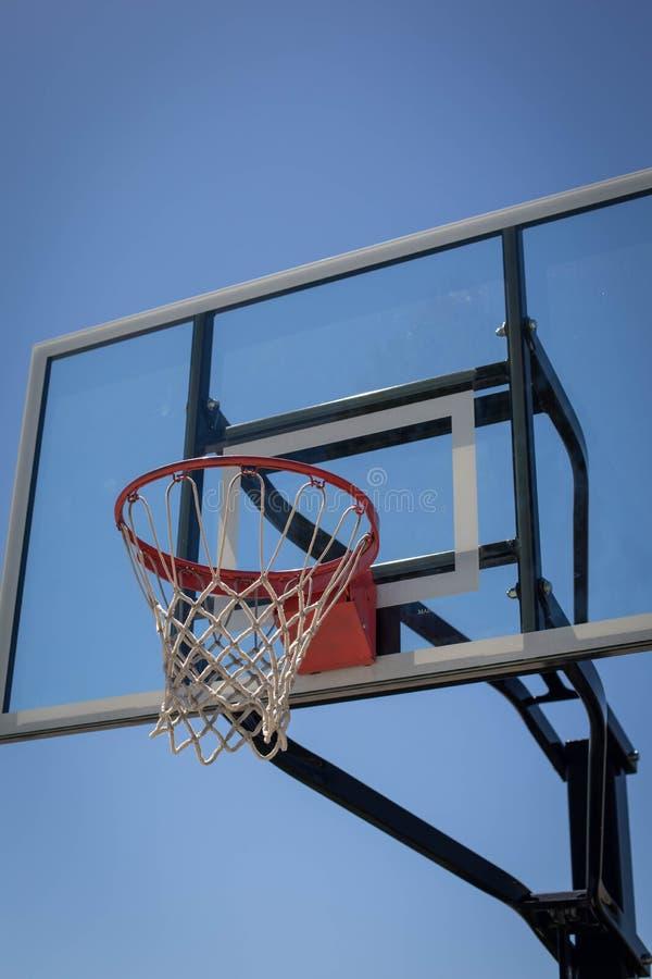 Nuovo verticale del cerchio di pallacanestro fotografie stock