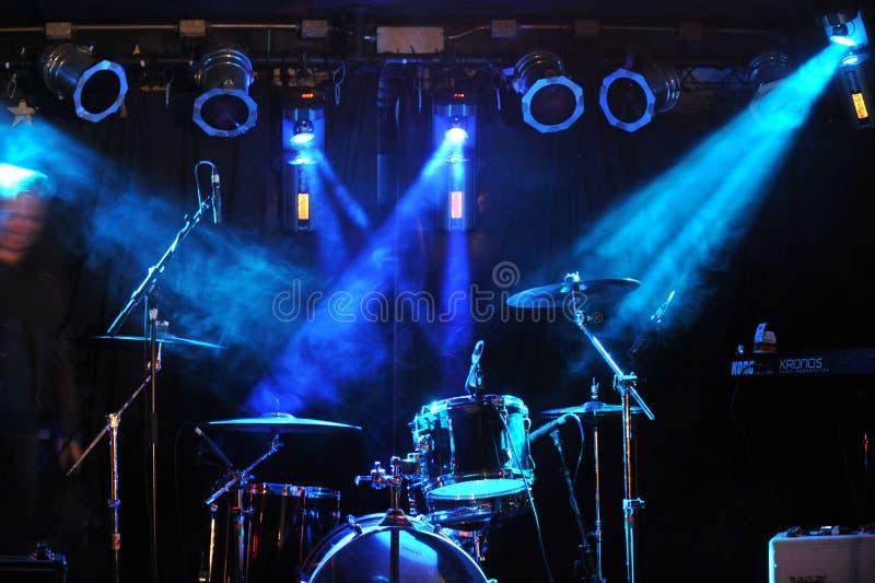 NUOVO YORK 27 FEBBRAIO: Metta in scena l'impostazione durante il festival rock russo a Webster Hal fotografie stock