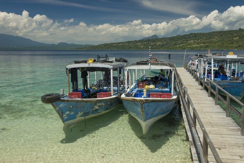 Nur łodzie przy Menjangan wyspą obraz stock