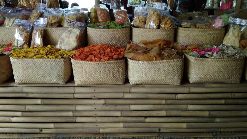 Nur redaktioneller Gebrauch, Garnelen-Cracker kauft, Bandung West-Java Indonesia am 27. Oktober 2018, niemand gesehenes orientali stockfotos