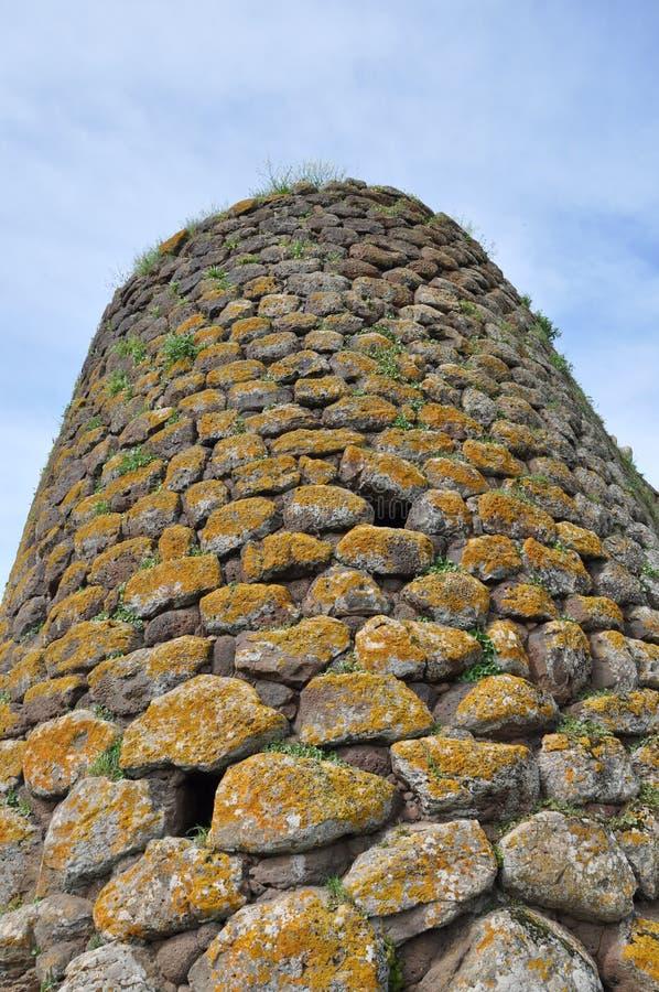 Nuraghe Losa in Sardegna immagine stock