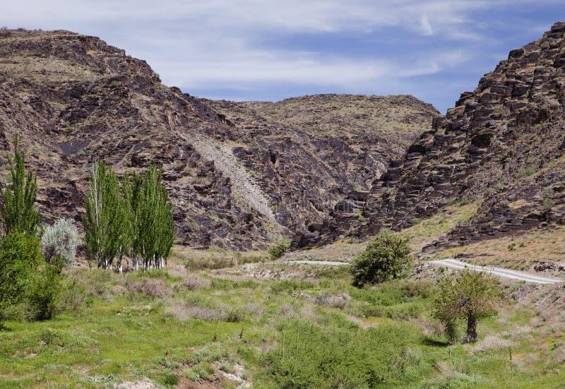 Nuratau, μαύρα βουνά στο Ουζμπεκιστάν στοκ φωτογραφία με δικαίωμα ελεύθερης χρήσης