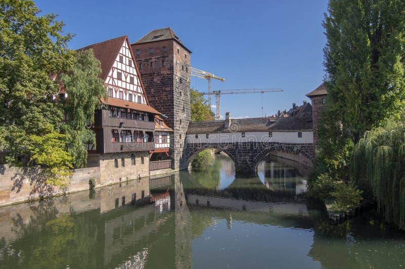 Nuremberg/ALEMANIA - 17 de septiembre de 2018: Weinstadel uno de la parte más pintoresca de Nuremberg imagenes de archivo