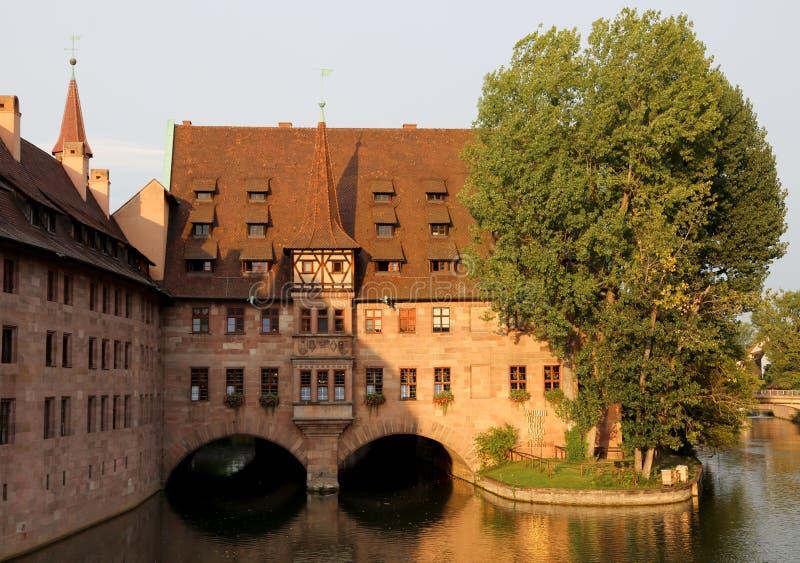 Nuremberg, Allemagne - 17 août 2017 : La construction de l'hôpital du Saint-Esprit a appelé le heilig-geist-spitalin images libres de droits