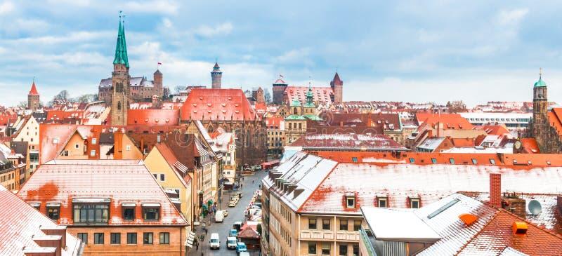 Nuremberg (Nuernberg), antena widok - śnieżna panorama zdjęcia stock