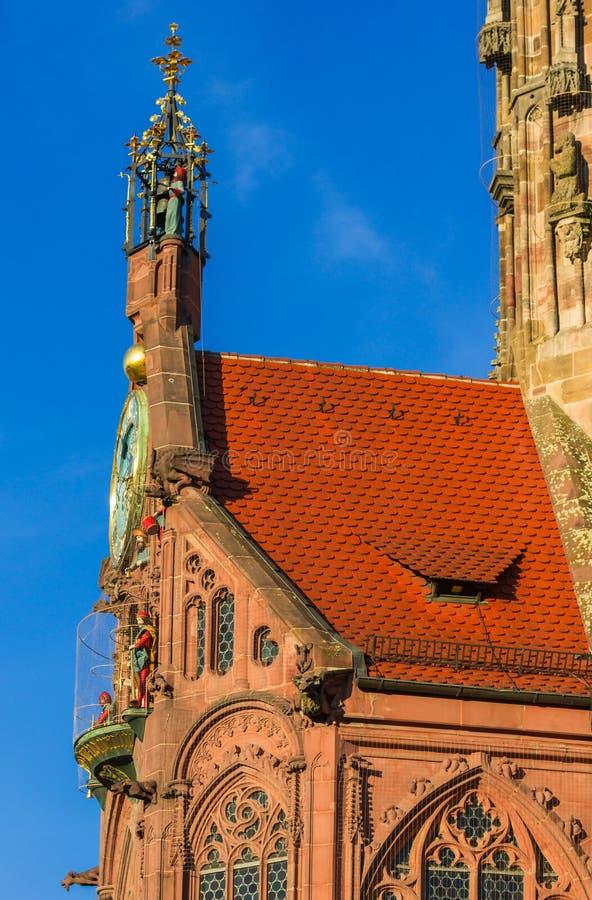 Nuremberg (Nuernberg), Tyskland detaljkyrka av vår dam arkivfoto