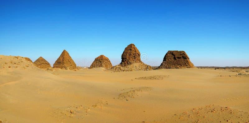 Nuripiramides, Napata, de Soedan stock foto