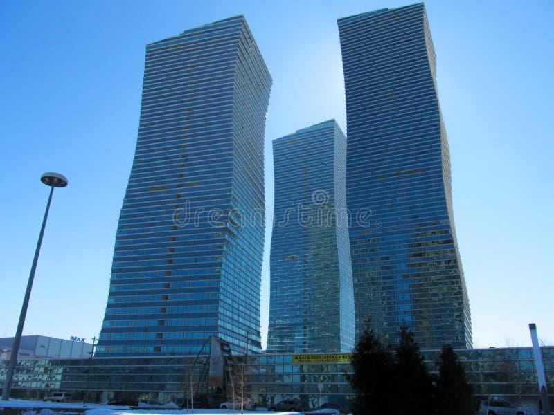 Nursultan, KASACHSTAN - 19. März 2011: Ansicht der modernen hohen Gebäude die Mitte von Stadt Nursultan Astana lizenzfreie stockfotografie