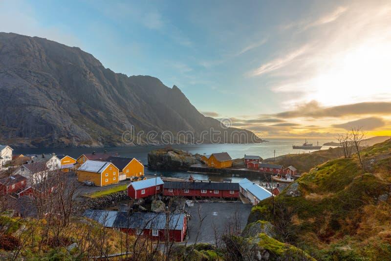 Nusfjord visserijdorp in Flakstad-gemeente in Nordland-provincie, Noorwegen stock fotografie