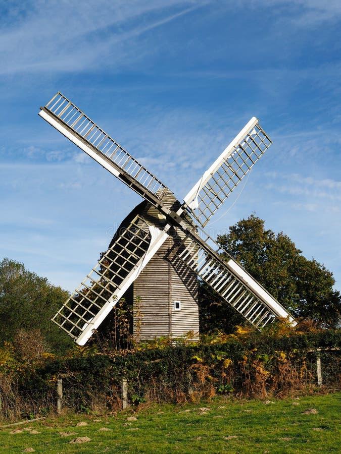 NUTLEY SUSSEX/UK DO LESTE - 31 DE OUTUBRO: Vista do moinho de vento de Nutley dentro imagens de stock royalty free