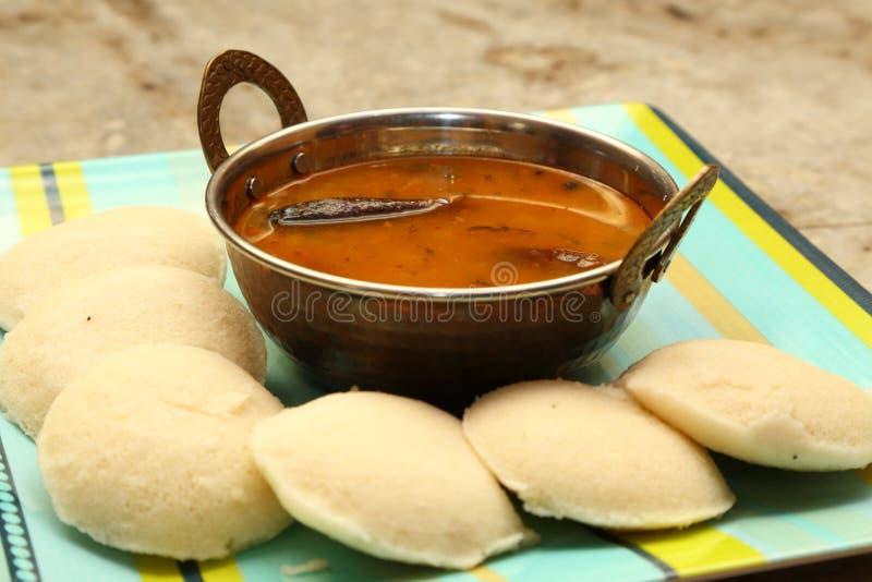 Nutteloos met sambar Iddli is een traditioneel ontbijt van zijn Zuiden Indische huishoudens, een zeer populaire smakelijke schote stock foto's