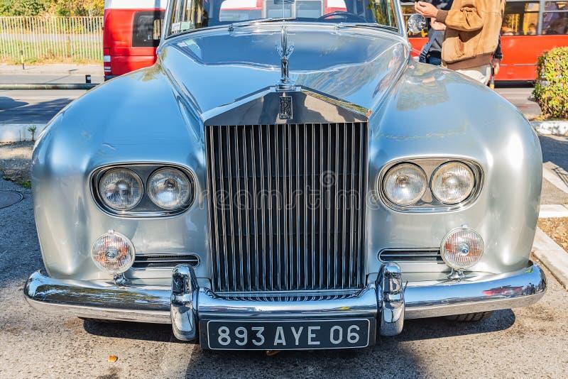 Nuvem de prata III de Rolls royce uma limusina do vintage dos anos 60 foto de stock