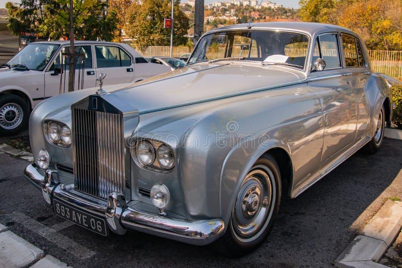 Nuvem de prata III de Rolls royce uma limusina do vintage dos anos 60 fotos de stock