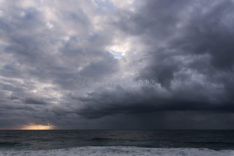 Nuvem de tempestade de aproximação imagens de stock