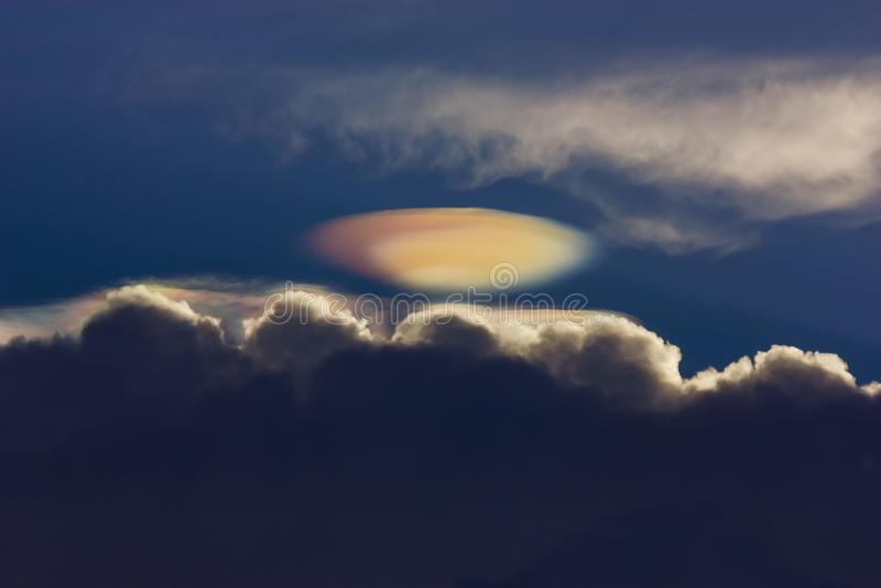Nuvem do UFO foto de stock