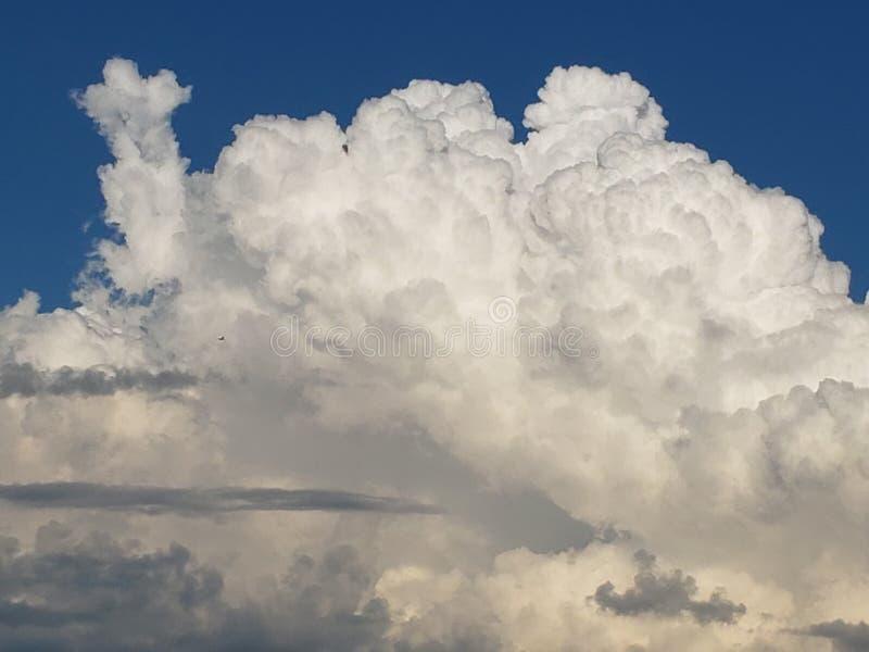 Nuvem majestosa imagens de stock