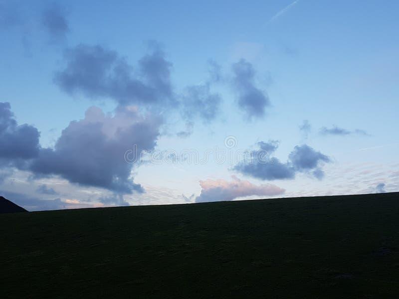A nuvem vê dentro 6 fotos de stock
